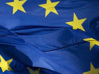 Guardian: Σε σταυροδρόμι η Ευρώπη