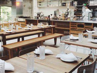 Άνοιξαν εκ νέου τα μπαρ και τα εστιατόρια στη Βαρκελώνη