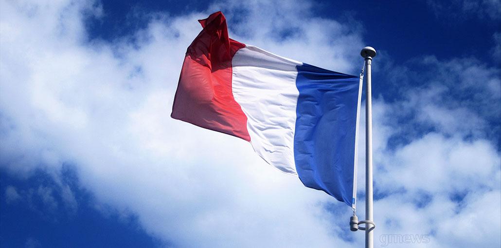 αυστηρό lockdown για έναν μήνα στη Γαλλία